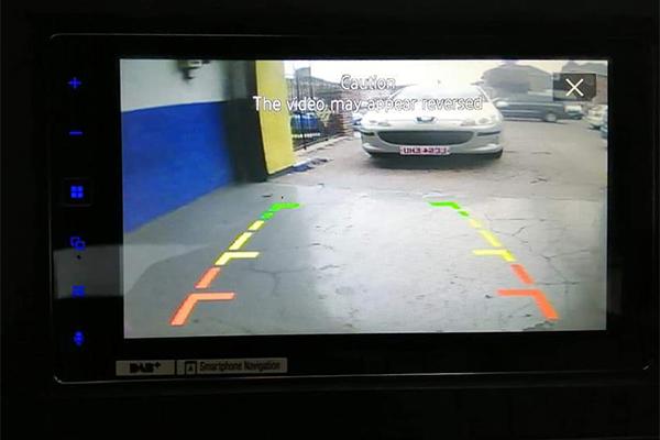 car tronics leicester reverse camera