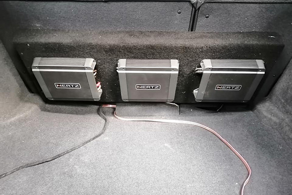 car tronics leicester amplifier install